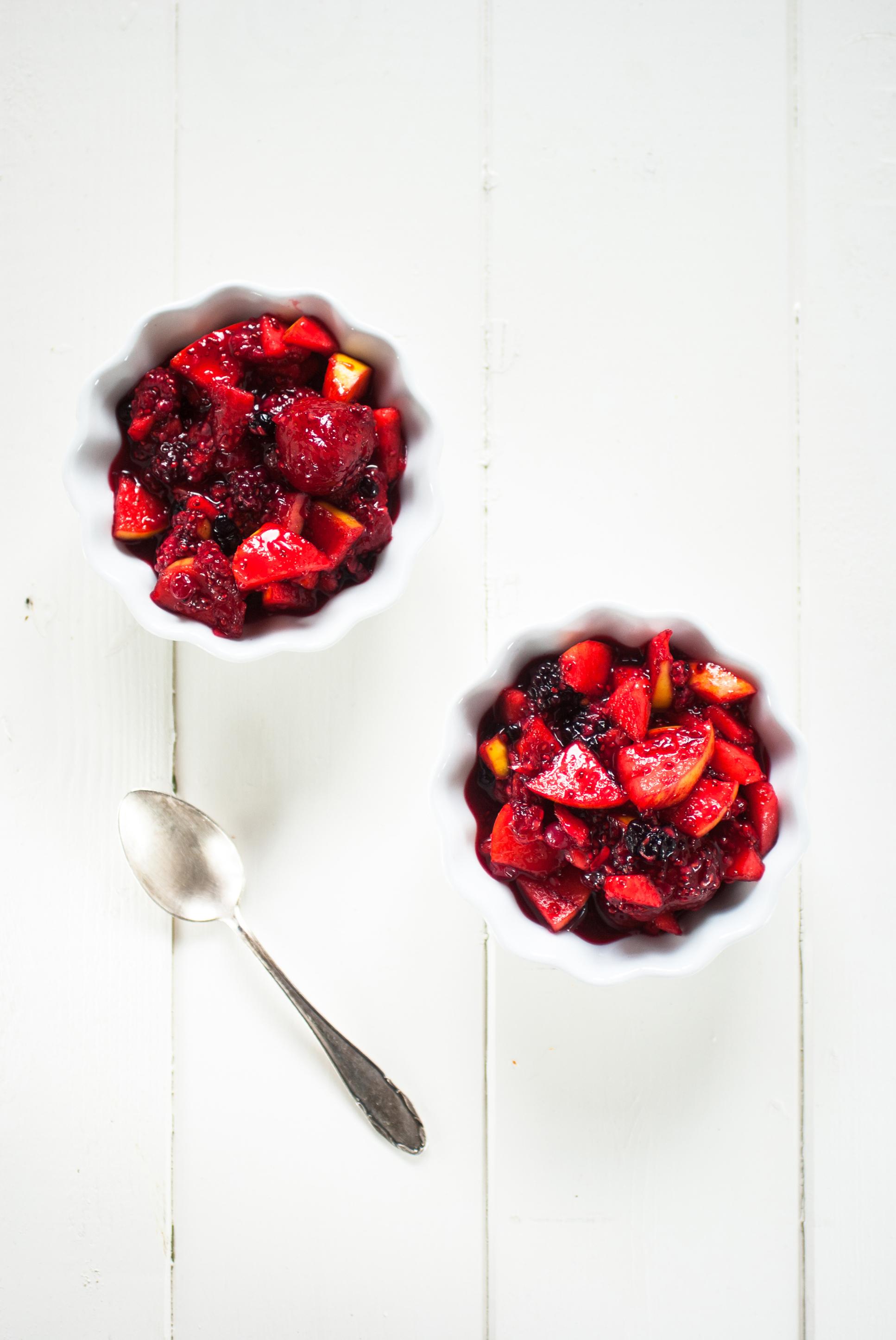 Crumble cru & végane aux fruits rouges - antigone21.com